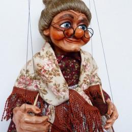 Babička s pletením